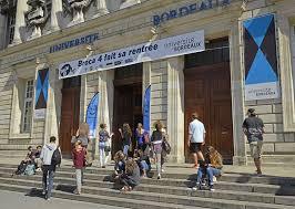 Université de Bordeaux et son entrée principale
